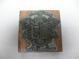 Block stamp with crest – Margaret Slater