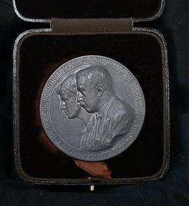 Governor general's medal (the Duke of Devonshire)